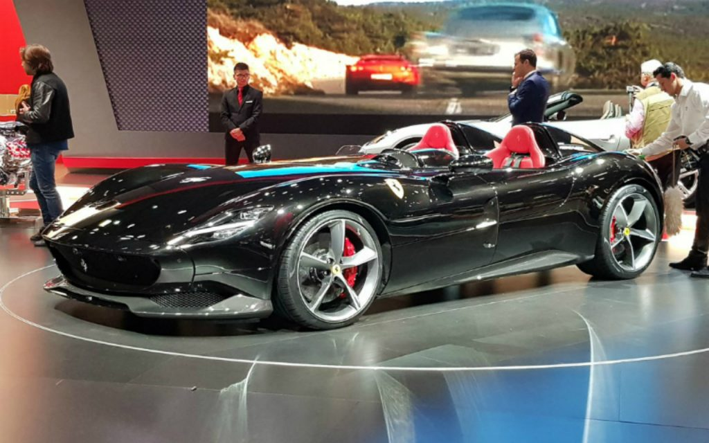 Ferrari Monza SP1 and SP2 revealed at Paris