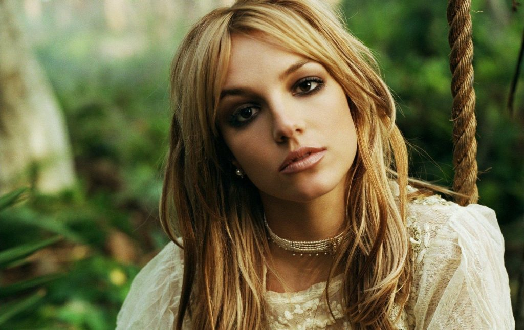 Little Known Facts About Britney Spears + Wallpapers