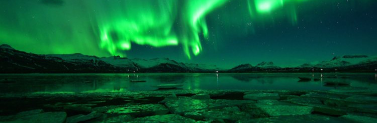 Amazing Aurora Borealis background for your Chrome Browser