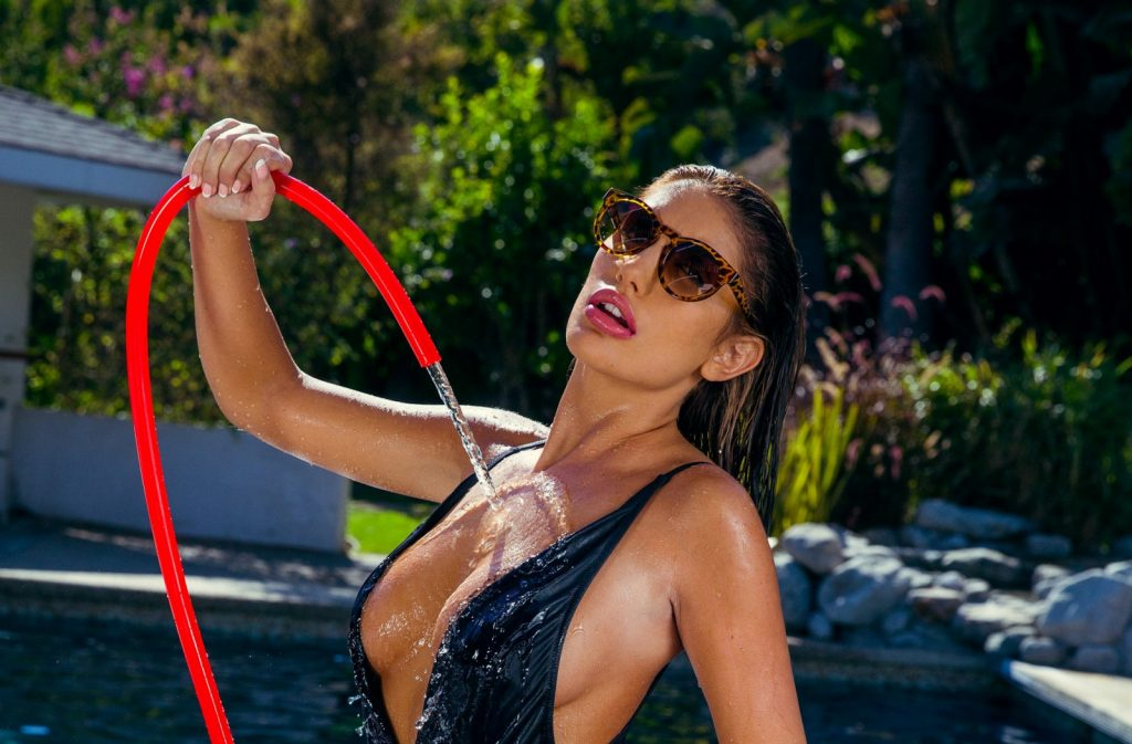 August Ames Wallpapers & Her Last Message on Twitter!