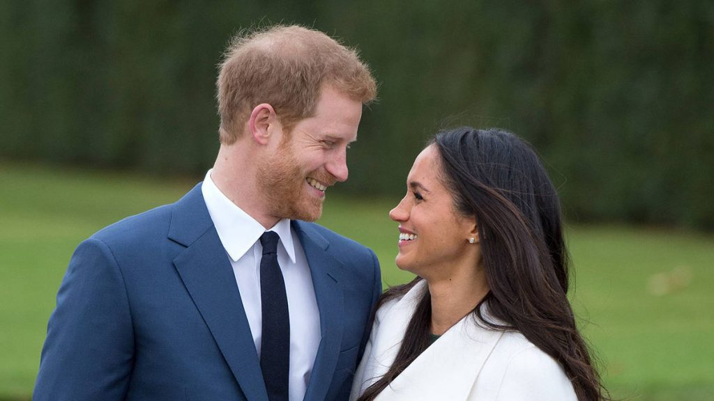 How Much Did Meghan Markles' Royal Wedding Dress Cost? + Royal Wedding Themes