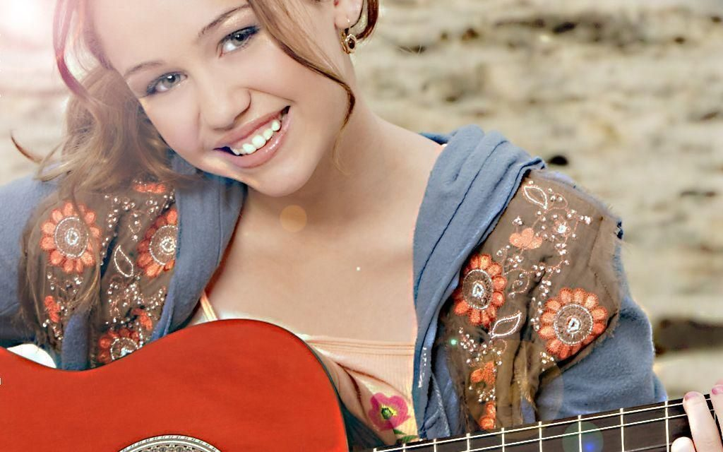 Hannah Montana Wallpaper & Miley Hannah Theme