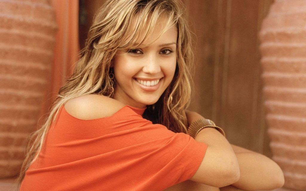 Jessica Alba Wallpapers & Backgrounds